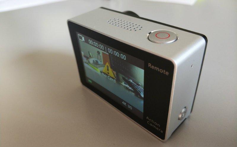 recensione-Eken-H6s-destro Recensione Eken H6s action cam 4k economica con stabilizzatore e telecomando